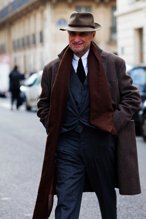 how to wear a winter scarf with a coat men