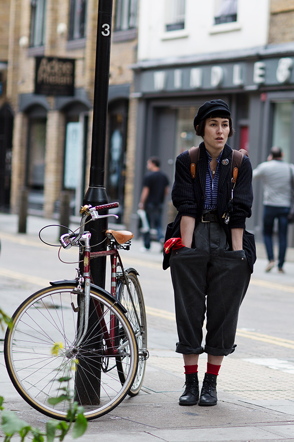 bike pretty, bike pretty, pretty bike, girls on bikes, stylist, cycle style, fashion bike, bike fashion, bike chic, chic bike, bike style, outfit ideas, girl on bike, bike lady, cycle chic, karina tanabe jones, sartorialist, london, tweed