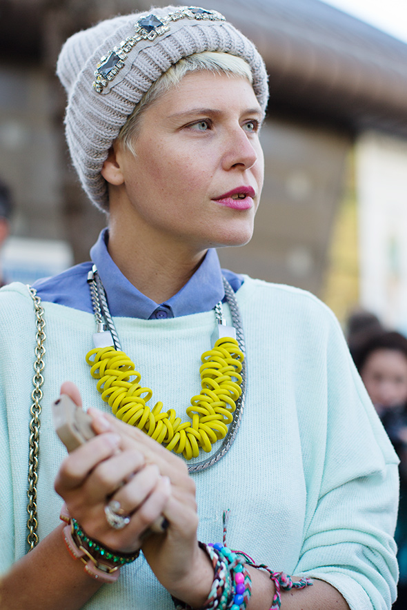 602d899e8ce83 When I saw this street style photo – of a short haired ...