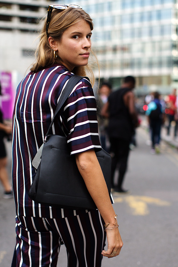 On the Street….Outside Tate Modern, London